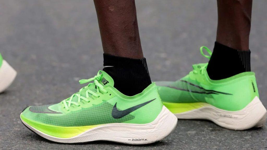 Sepatu Lari Terbaik 01