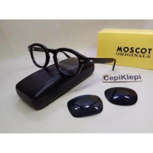 Kacamata Hitam Moscot