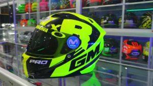 Helm GM Helmet Race PRO