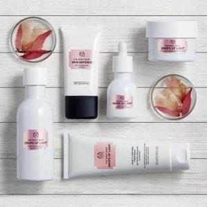 The Body Shop Drops of Light Brightening Serum Rp 559.000